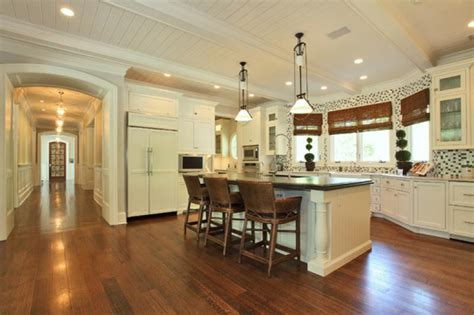 kitchen island with bar stools 2 hooked on houses