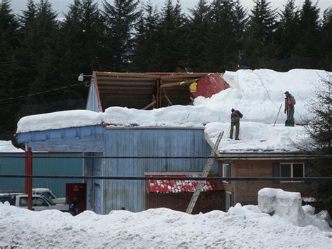roof collapses due  snow networx