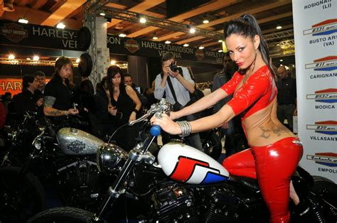 motosiklet fuari yeni resimler motosiklet modifiye
