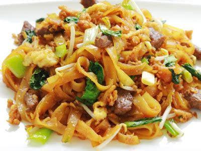 Bakso Komplit Mie Bihun Kwetiau cara membuat kwetiau goreng sapi pedas resep masakan