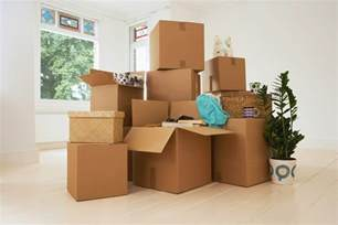 home movers choosing the right boxes for storage and organizing