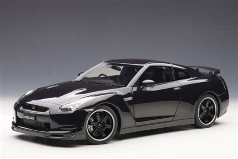Shp Cars Sbm 627 Black nissan gt r r35 spec v in ultimate opal black diecast