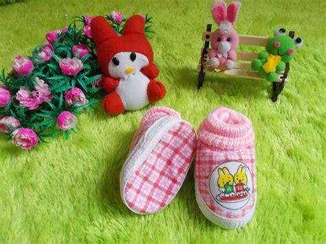 tutorial merajut sepatu bayi lucu sepatu rajut bayi newborn imut pink jual sepatu bayi