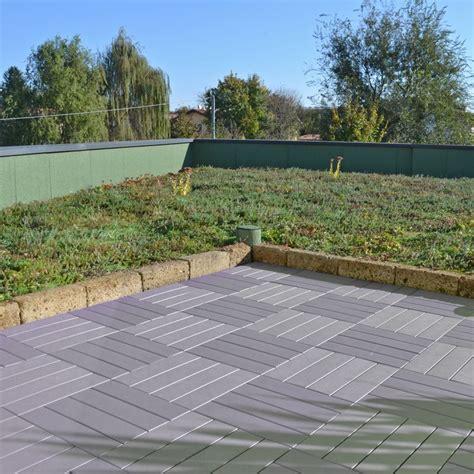 piastrelle plastica per giardino pavimentazione in plastica per esterno finto legno