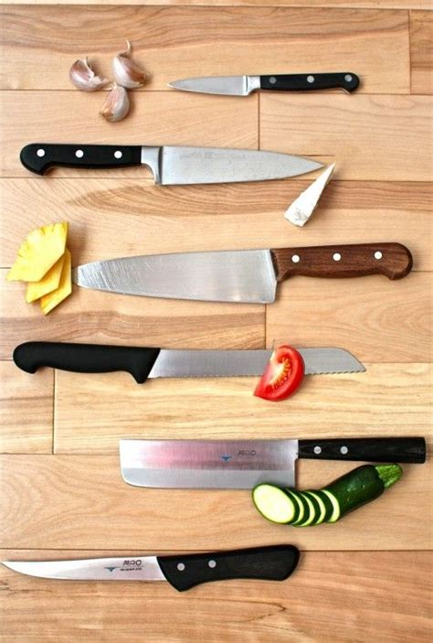 how to choose kitchen knives 27 best images about layout of cooking school on williams sonoma finance and farms