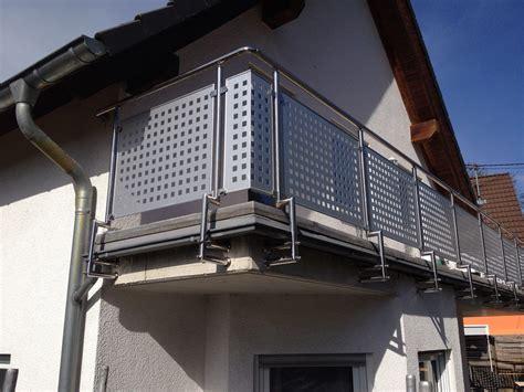 balkongeländer edelstahl balkongel 228 nder edelstahl mit alu lochblech balkon