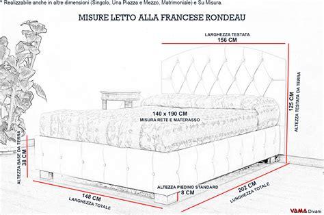 misure letto matrimoniale francese letto con testiera curva alla francese e base bottonata