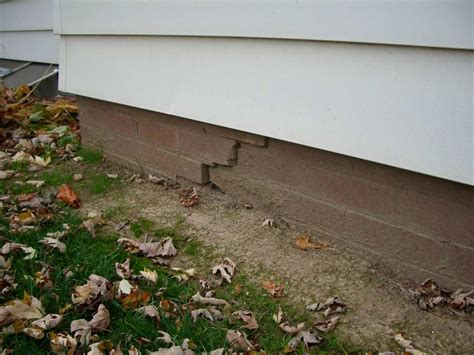 buying a house with foundation problems warning signs of foundation problems comfree blogcomfree blog