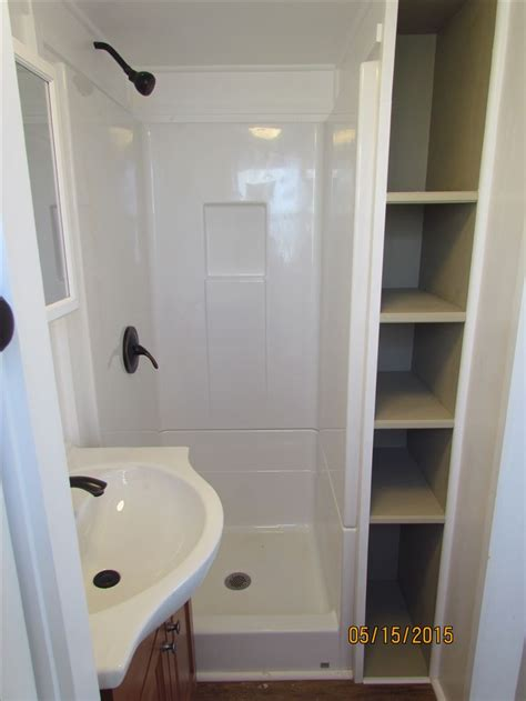 tiny bathroom showers 25 best ideas about small shower stalls on