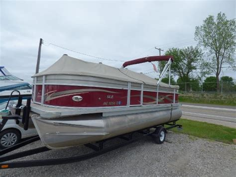 crest boats used pontoon crest boats for sale 4 boats