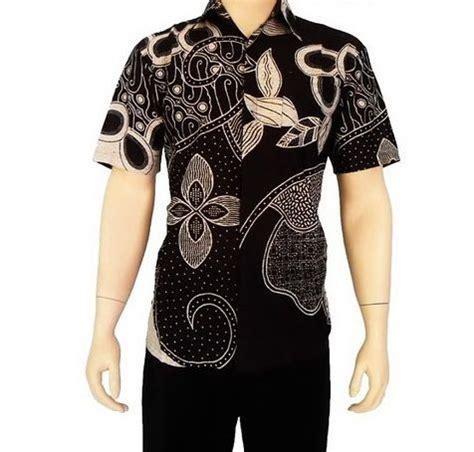 Set Kemeja 86 Warna Hitam model kemeja batik pria lengan pendek warna hitam kombinasi krem bahan dari katun hanya 65 000