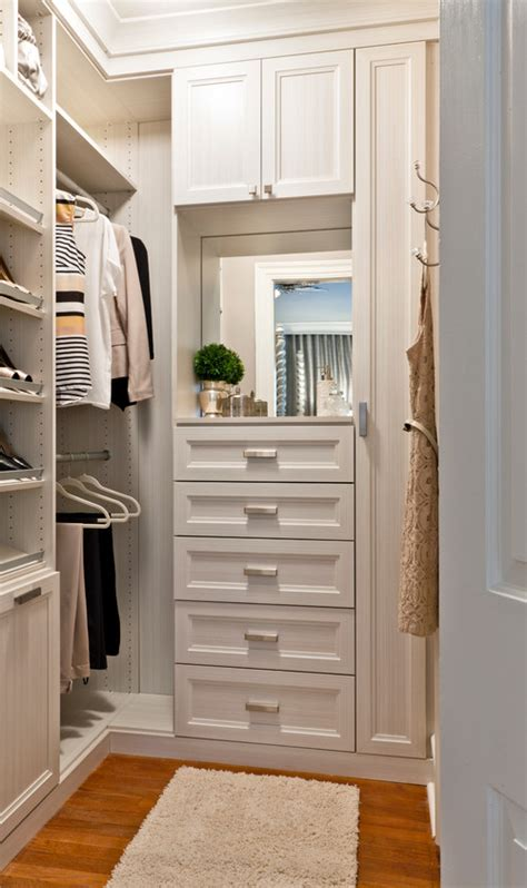 are there any other pictures of this 5x5 beautiful closet