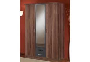 kleiderschrank mit schiebetür kleiderschrank nussbaum mit spiegel bestseller shop f 252 r