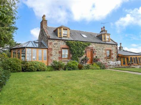Aberdeenshire Cottages by Aberdeenshire Cottages Walkhighlands