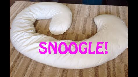 snoogle pillow snoogle pregnancy pillow review
