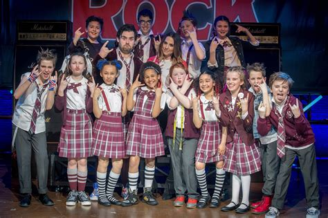 cast of rock mel c sings spice hit wannabe with school of rock cast
