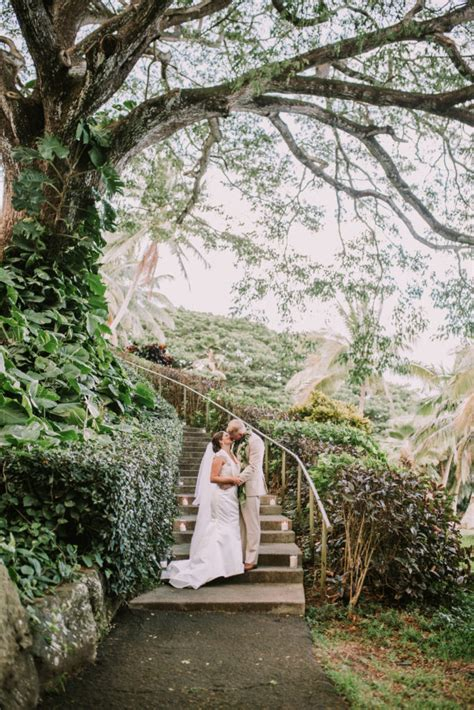 Top 10 Wedding Venues in Oahu   Hawaii Wedding Photographer