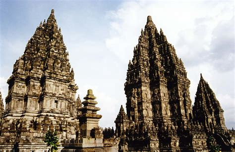 wonderful tourism  yogyakarta prambanan temple