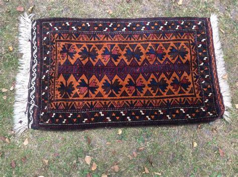 tappeto iraniano bellissimo tappeto iraniano belouch con piccolo tappeto