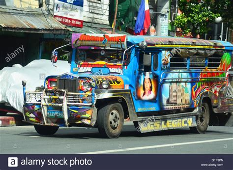 philippine jeepney jeepney in manila stockfotos jeepney in manila bilder