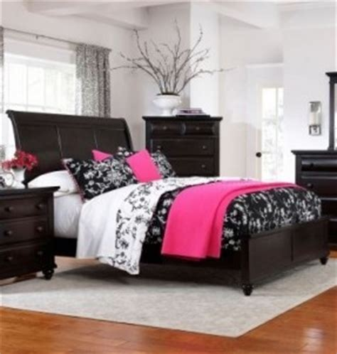 dark finish queen sleigh bed broyhill bedroom furniture sets hollywood thing