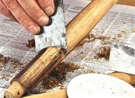 come sverniciare le persiane sverniciare il legno per restaurare la sedia
