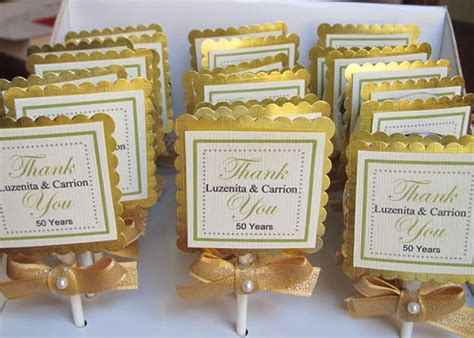 easy do it yourself wedding favors 17 best ideas about edible favors on land cupcakes confetti cupcakes