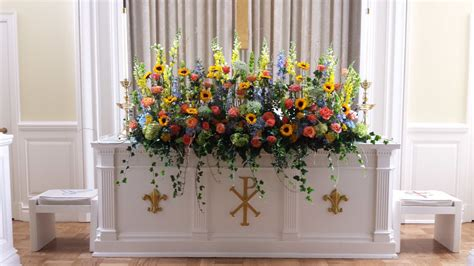 Wedding Album Arrangement by Rebel Hill Florist Wedding Altar Floral Arrangement