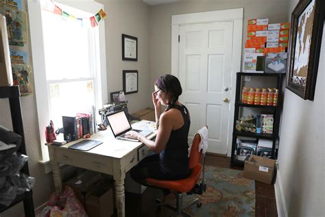 work from home help desk 10 pros tips to help you live your best work from