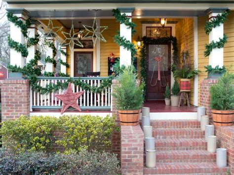 hgtv holiday home decorating holiday decorating and entertaining ideas how tos hgtv