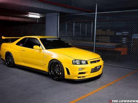 nissan yellow nissan gtr r35 yellow