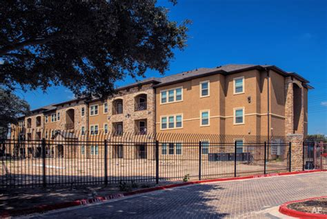 Coast Appartments by Gulf Coast Arms Houston Tx Apartment Finder