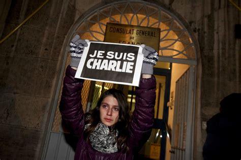consolato francese venezia centinaia di persone tra esponenti politici e semplici