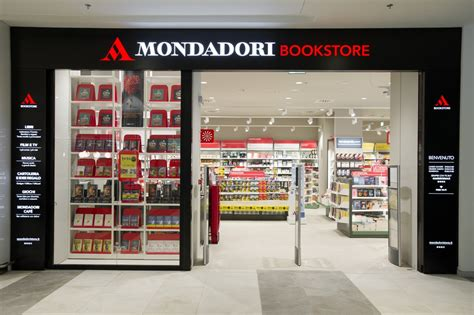 mondadori libreria roma mondadori bookstore al centro aura di roma