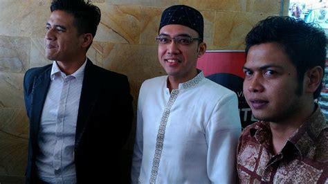 Baju Koko Irfan Hakim Alasan Tumiwa Pakai Baju Koko Dan Berkopiah Saat