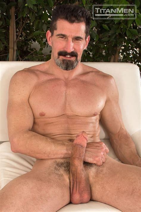 David Anthony Tops Luke Adams Titan Men Bananaguide