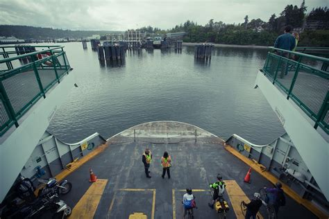 boat landing wiki file washington state ferry boat landing at bainbridge