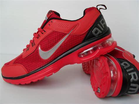 Sepatu Nike Sport Wanita aksesoris sepatu olahraga wanita