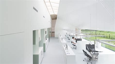 Light Clinic by Calming Views Of The Garden Alleviate Patient Anxiety At
