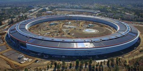 siege de apple apple park un drone filme l avanc 233 e des travaux