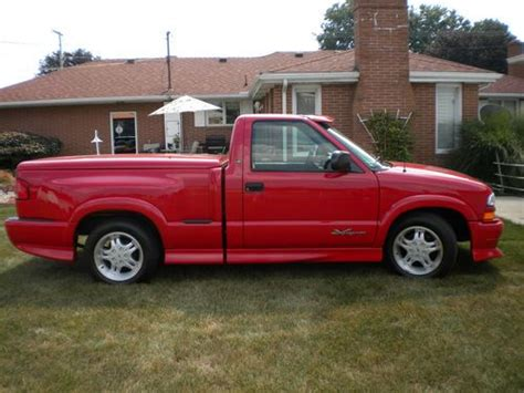 chevy s10 bed cover buy new 2000 chevy s10 extreme stepside only 656 miles