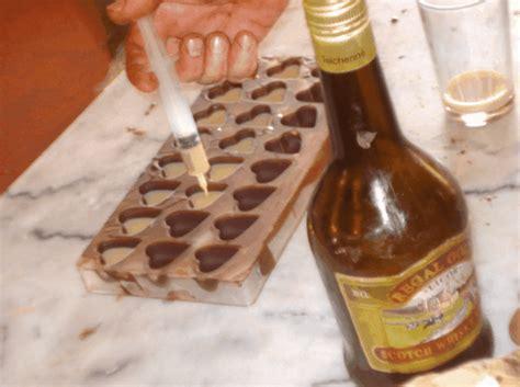 www como hacer licores de chocolate rellenando con licor los chocolates elaboraci 243 n de