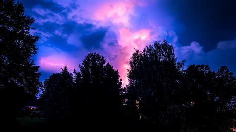 hd hintergrundbilder gewitter baeume nacht himmel desktop