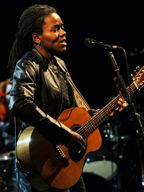 who is the singer playing guitar in the direct tv commercial may 2016 file tracy chapman 3 jpg wikipedia