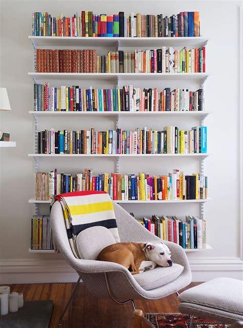 floating wall bookshelves best 25 living room bookshelves ideas on
