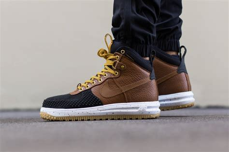 nike air one duck boot