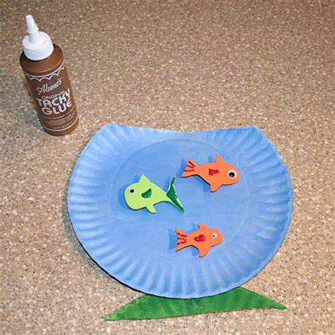 paper fish bowl craft make a whimsical paper plate fish bowl craft with the