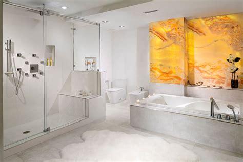 Impressionnant Salle De Bains Design Luxe #1: Grande-salle-de-bains-marbe-design-luxe-appartement.jpg