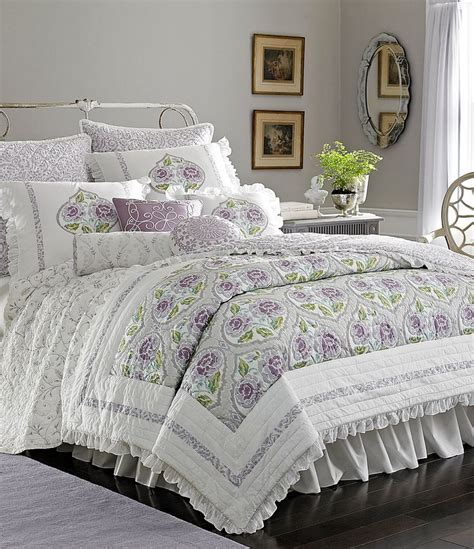 Lavender Comforter by 1000 Ideas About Lavender Bedding On Comfy