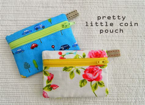 Handmade Pouch Tutorial - 20 easy zipper pouches to sew sew delicious